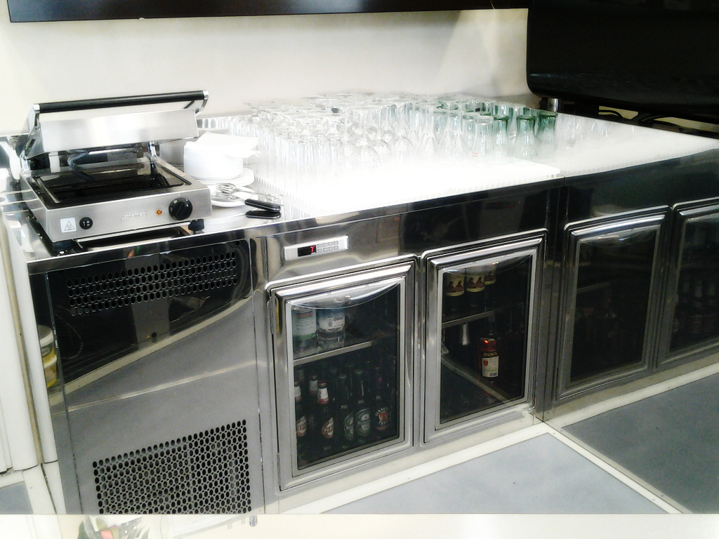 Omab arredamenti bar gelaterie pasticcerie ristoranti for Toschi arredamenti