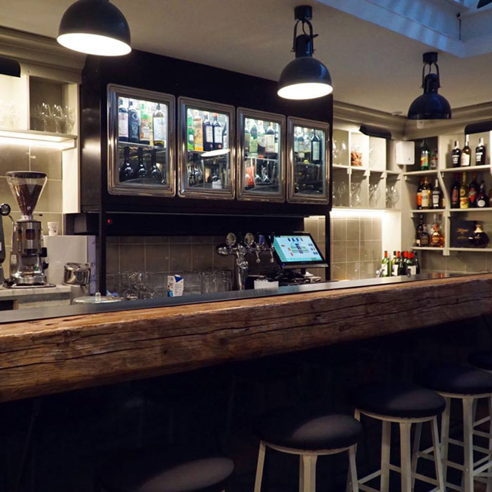 Arredamento bar roma gelateria pasticceria esclusivisti for Arredamento angolo bar